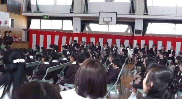 式 中学 服装 卒業